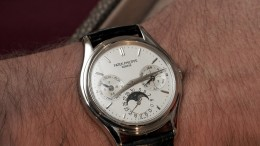 Patek Philippe Perpetual Calendar replica watches hands on