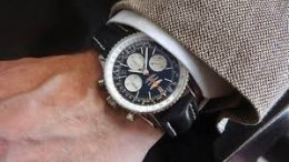 Pilot's Replica Watch:The Breitling Navitimer 01 Review
